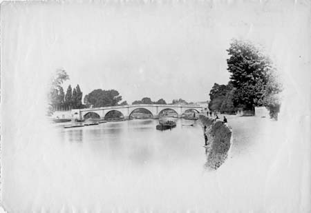 Richmond Bridge, Henry Taunt, 1870
