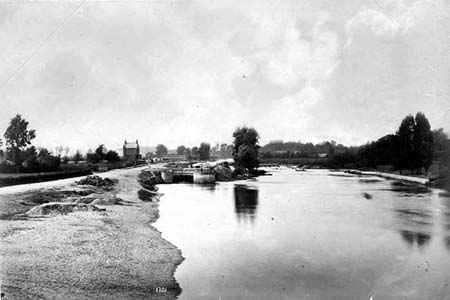Molesey Lock, Henry Taunt, 1870