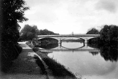 Staines Bridge, Henry Taunt,1870