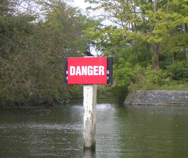 Hedsor Danger sign