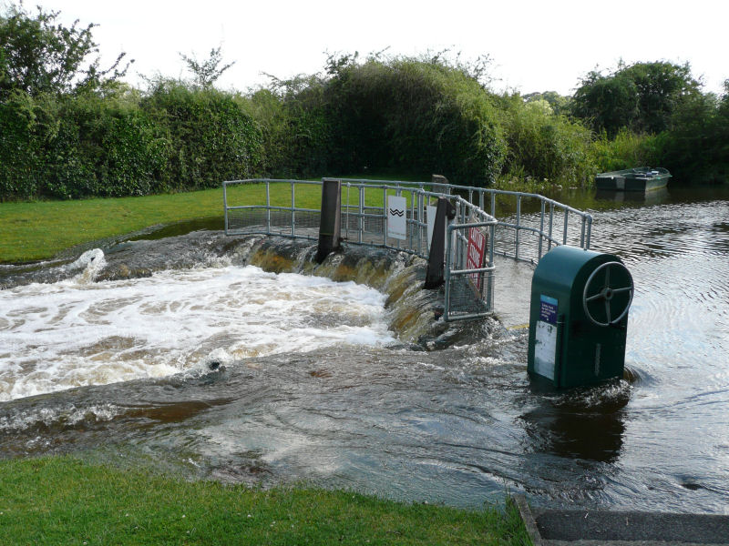 Culham Lock in flood 2007